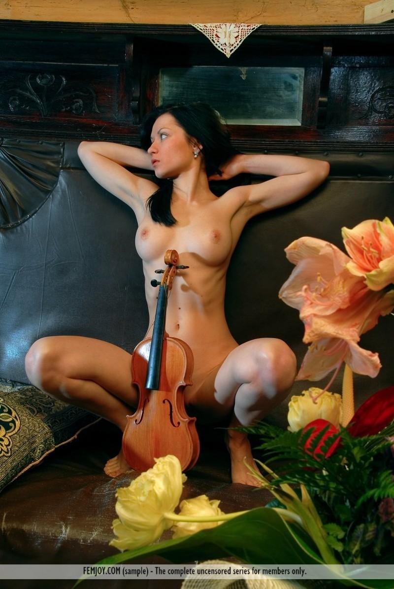 marliece-violin-femjoy-02