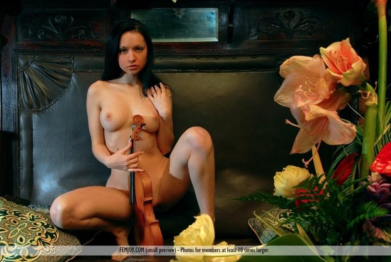 marliece-violin-femjoy-03