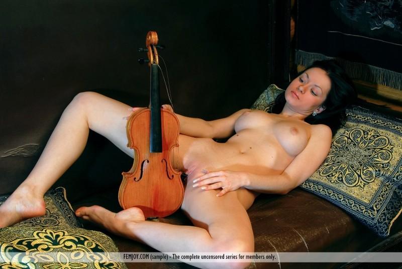 marliece-violin-femjoy-04