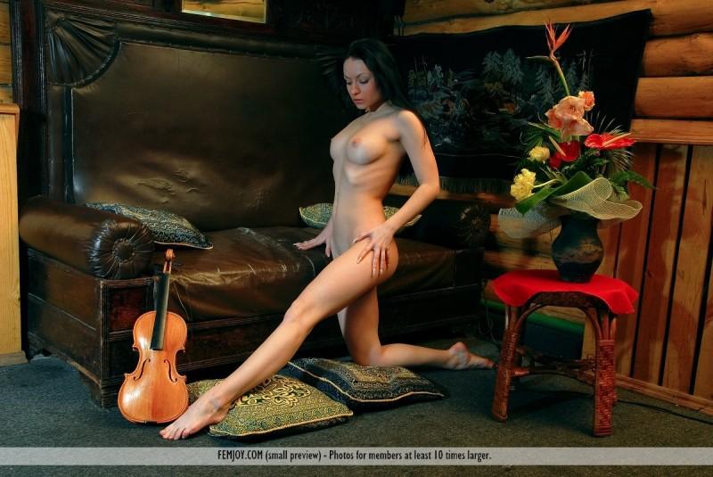 marliece-violin-femjoy-09
