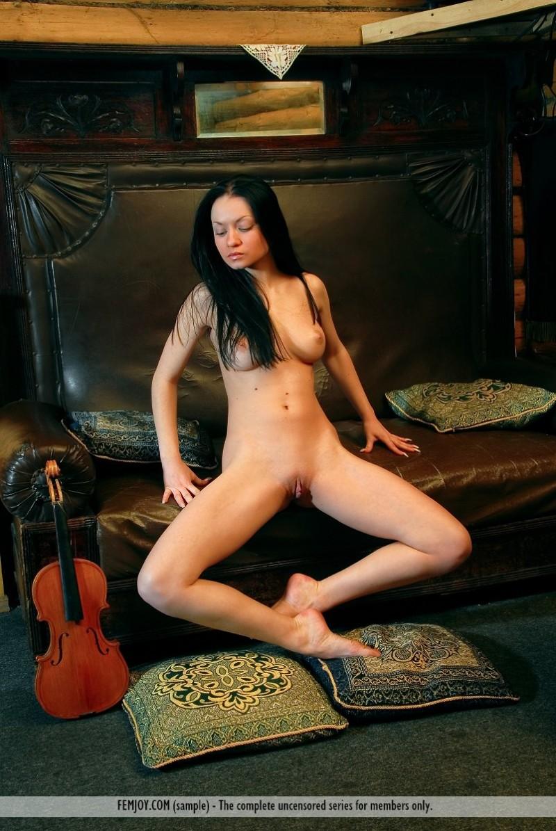 marliece-violin-femjoy-10