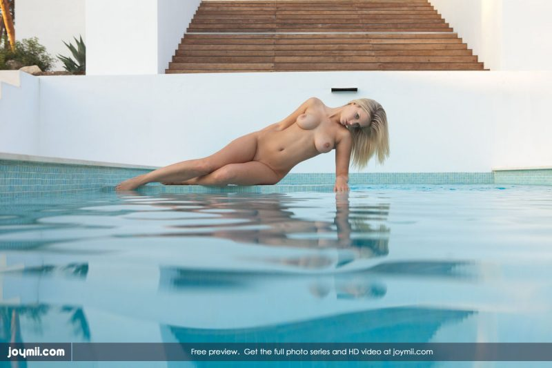 miela-busty-blonde-pool-joymii-05