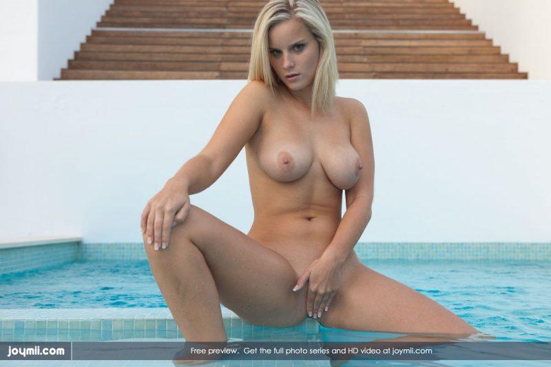 miela-busty-blonde-pool-joymii-09