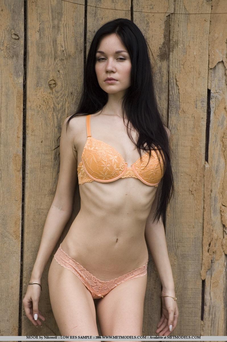 soffi-skinny-brunette-nude-metmodels-03