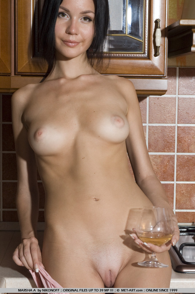 marsha-a-kitchen-met-art-06