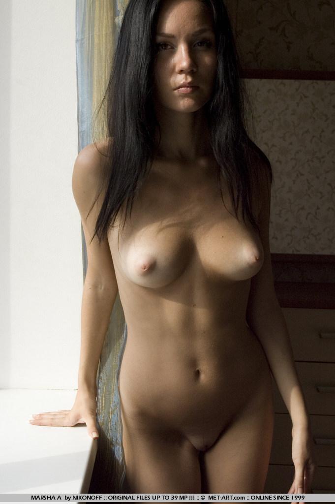 фото голых брюнетое