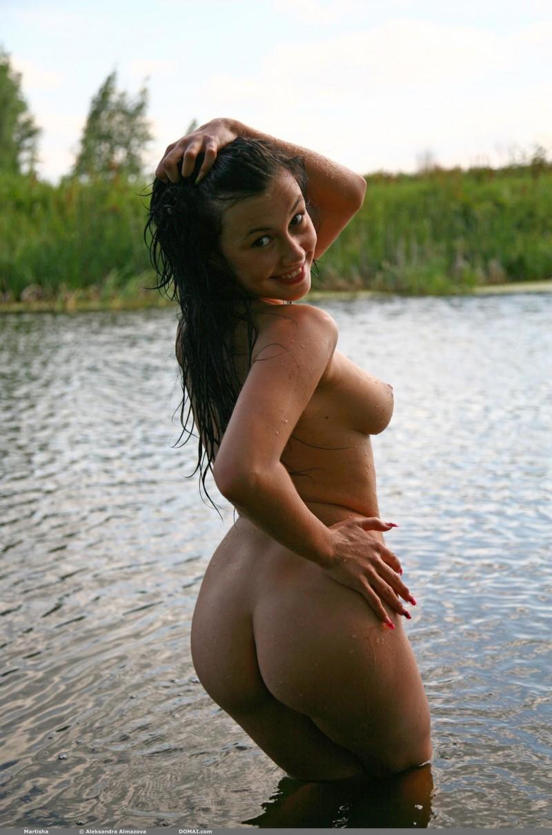 martisha-nude-lake-domai-20