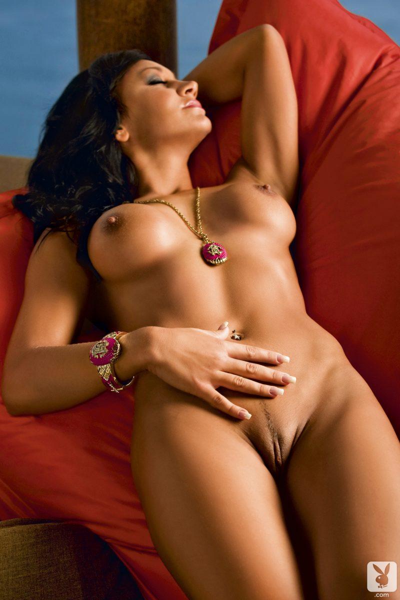 masa-sitar-brunette-slovenia-nude-playboy-10