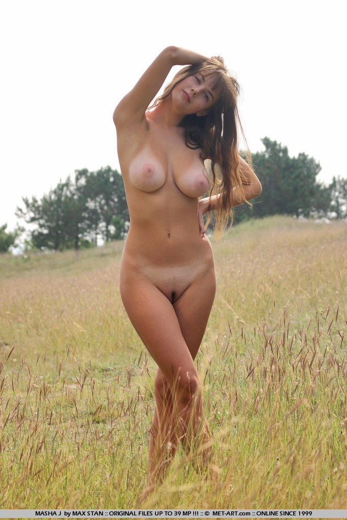 masha-j-boobs-meadow-nude-metart-01