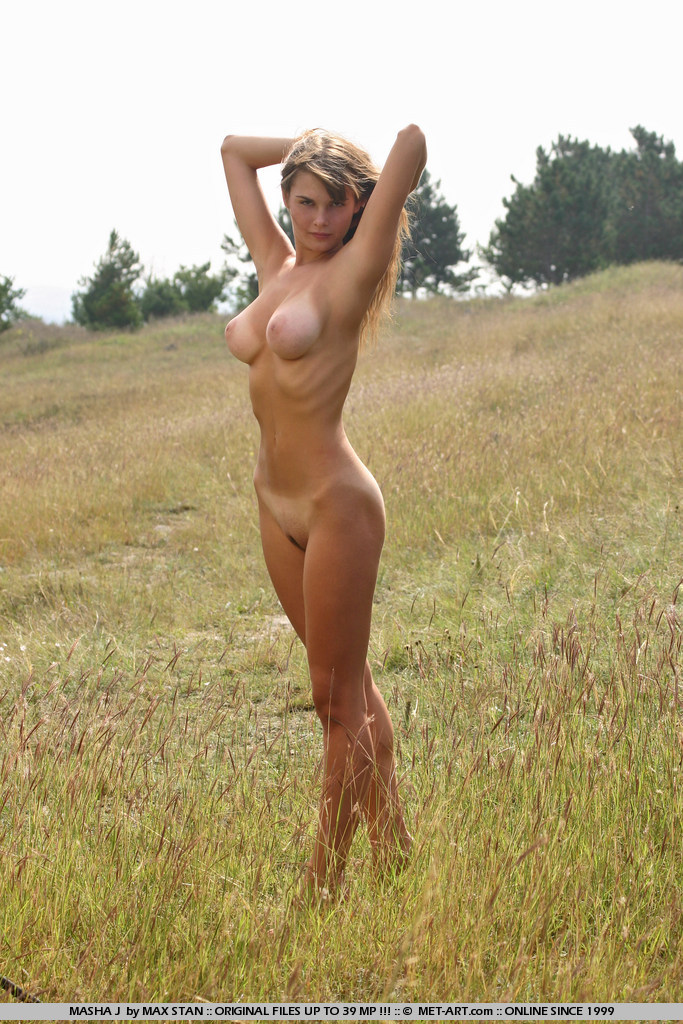masha-j-boobs-meadow-nude-metart-04