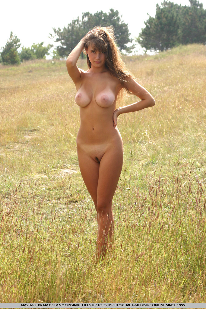 masha-j-boobs-meadow-nude-metart-05