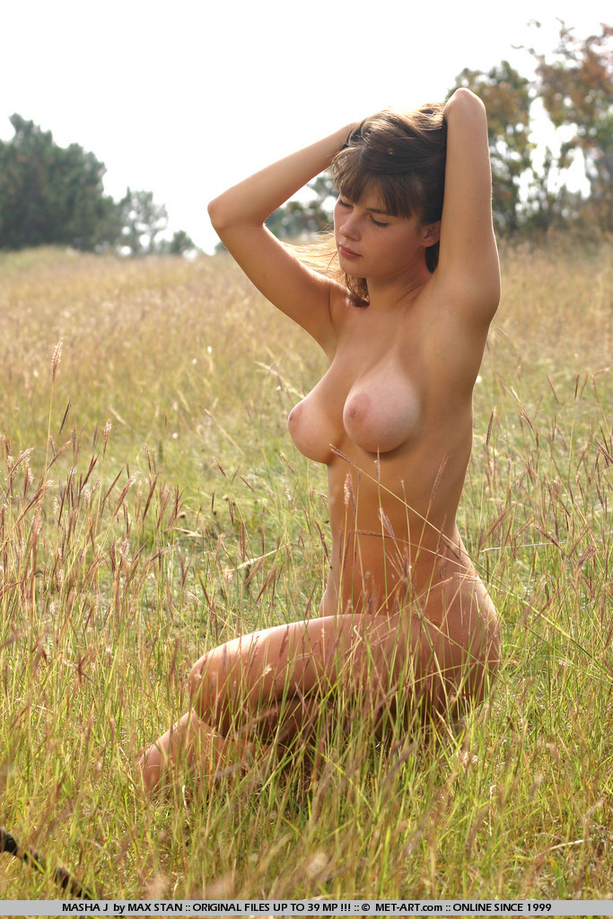 masha-j-boobs-meadow-nude-metart-09