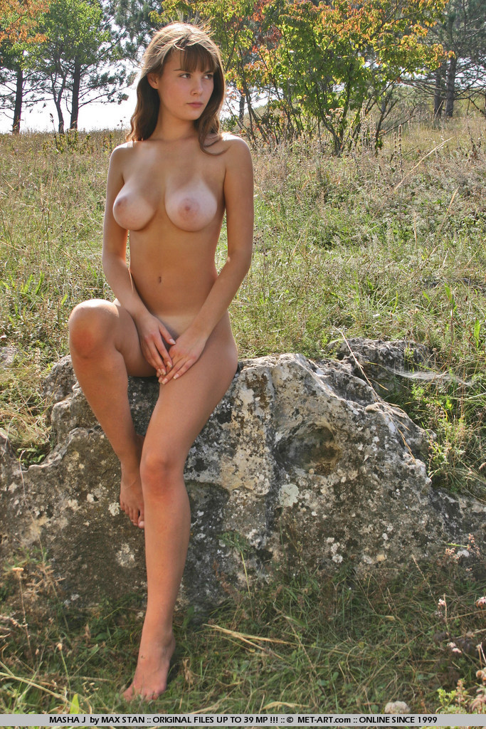 masha-j-boobs-meadow-nude-metart-14