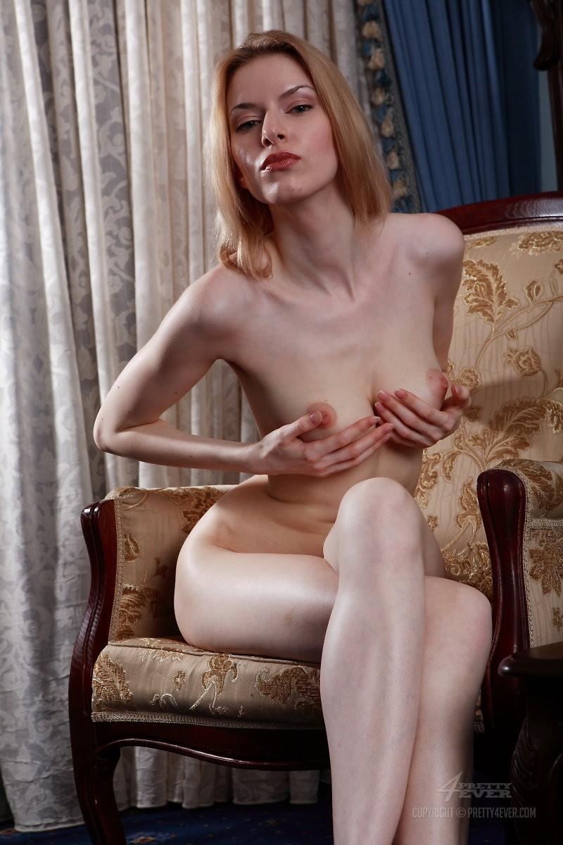 izolda-retro-armchair-blonde-pretty4ever-05