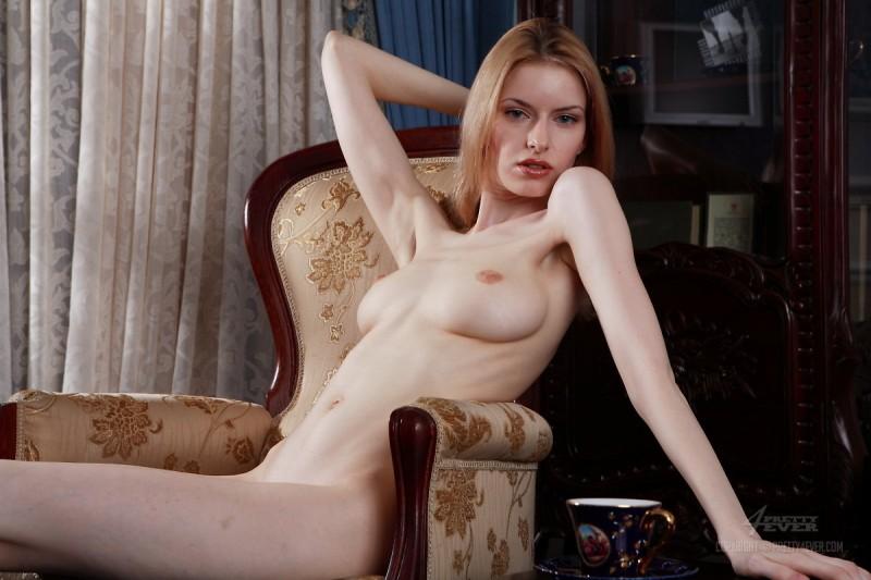 izolda-retro-armchair-blonde-pretty4ever-07