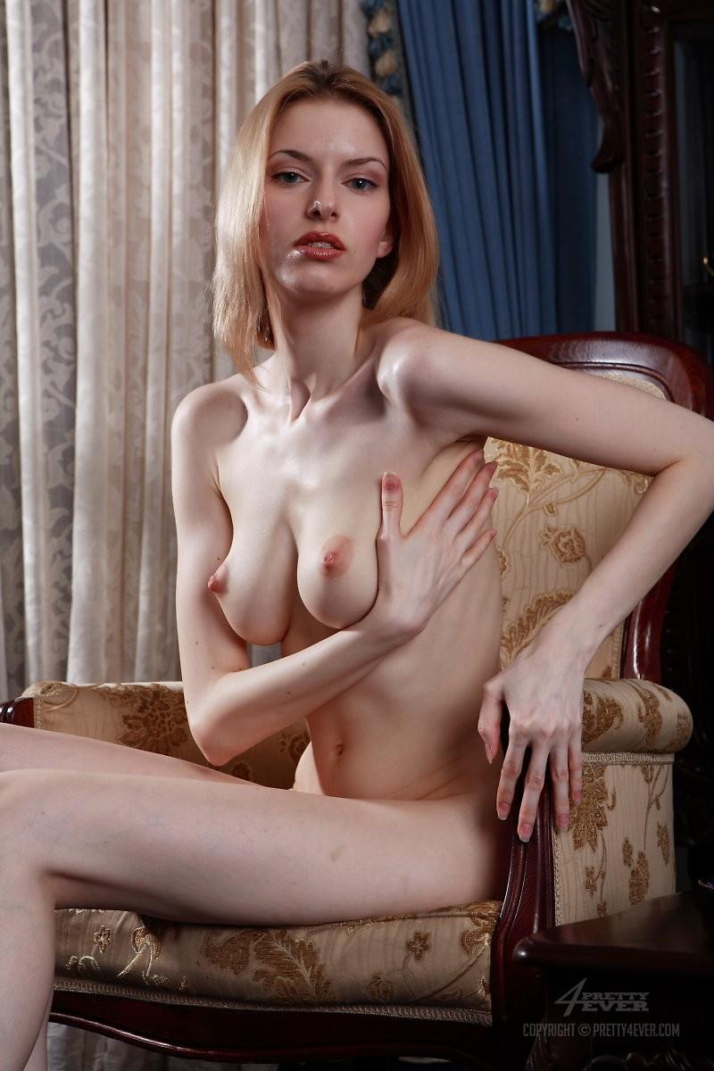 izolda-retro-armchair-blonde-pretty4ever-08