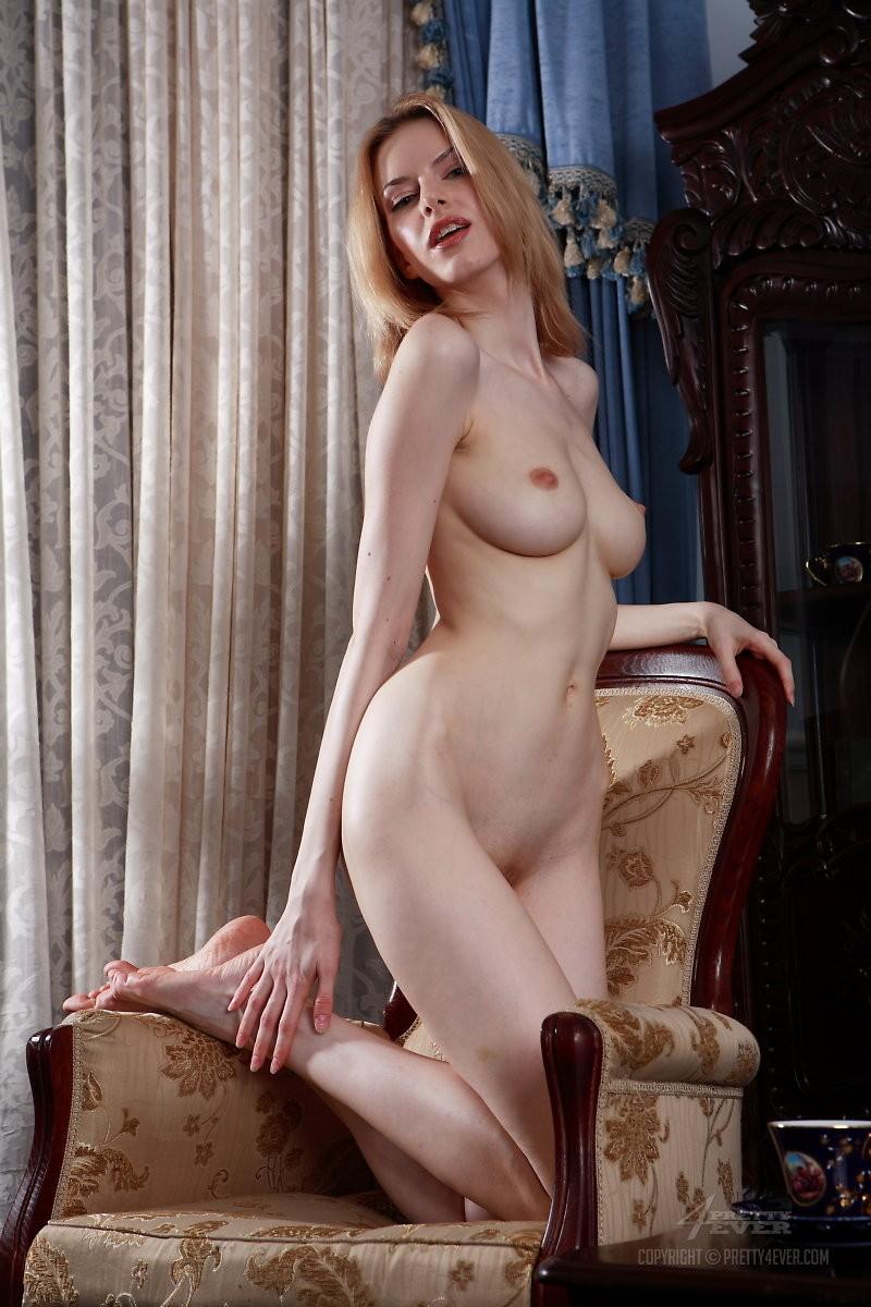 izolda-retro-armchair-blonde-pretty4ever-11