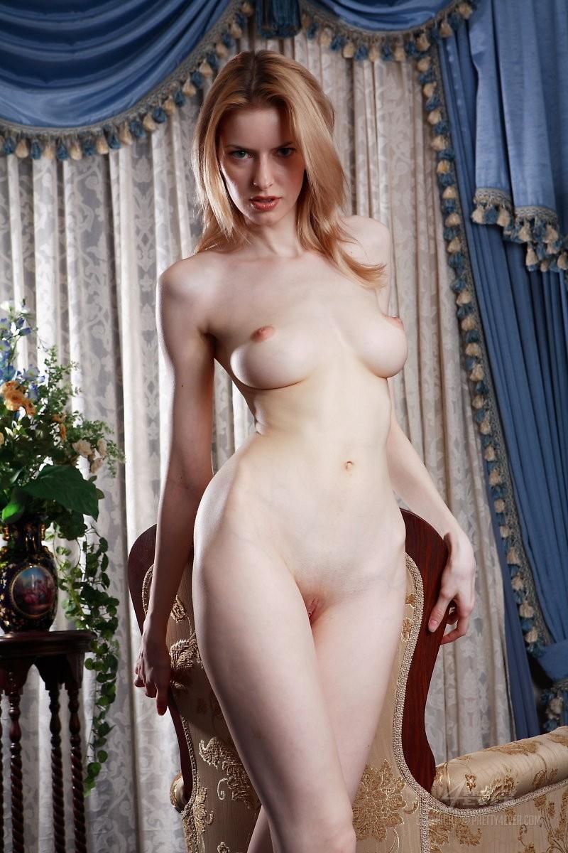 izolda-retro-armchair-blonde-pretty4ever-16