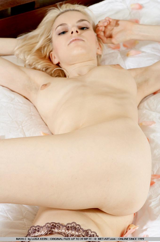 maya-c-bedroom-nude-blonde-metart-06