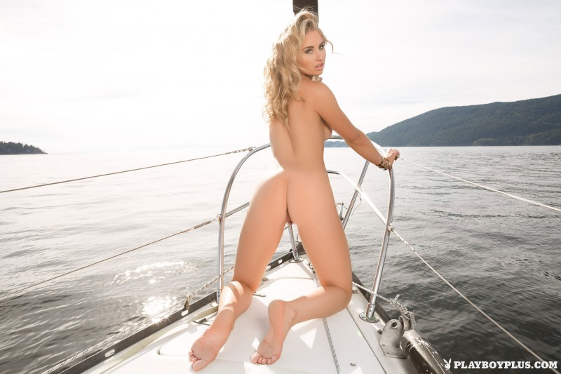 party girls boat Nude