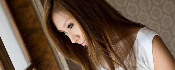 Mayumi Sendoh in denim mini skirt