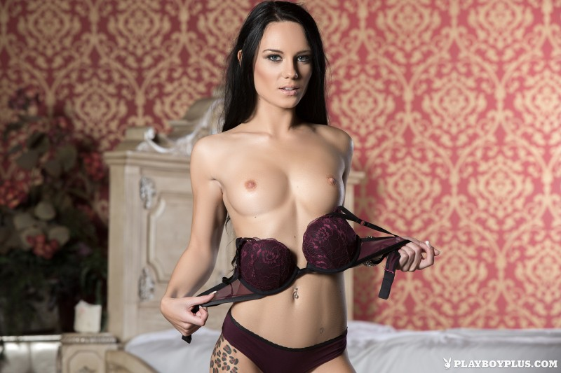 meghan-leopard-lingerie-bedroom-playboy-02