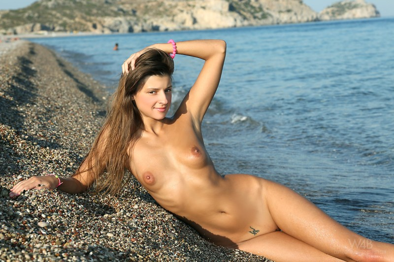 maria-naked-beach-watch4beauty-13
