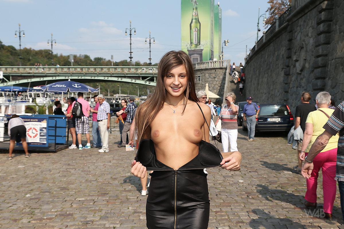 Teen nuddi pussy photos