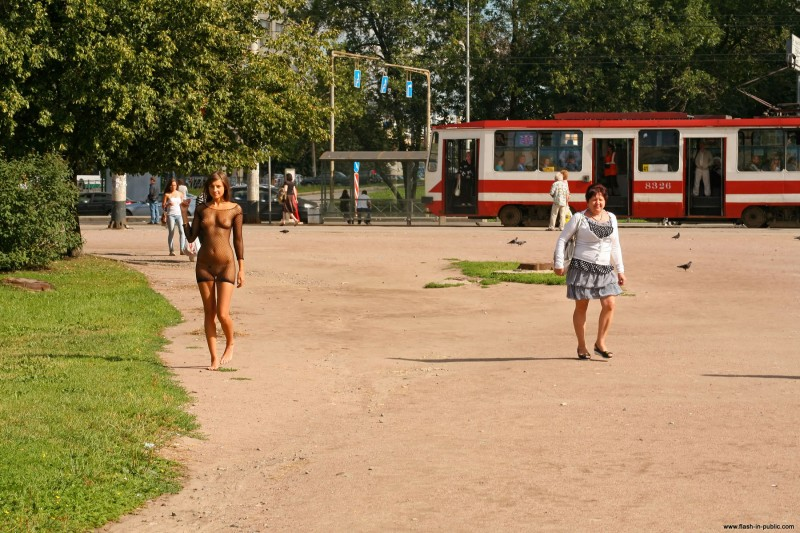 melena-r-nude-fishnet-flash-in-public-08