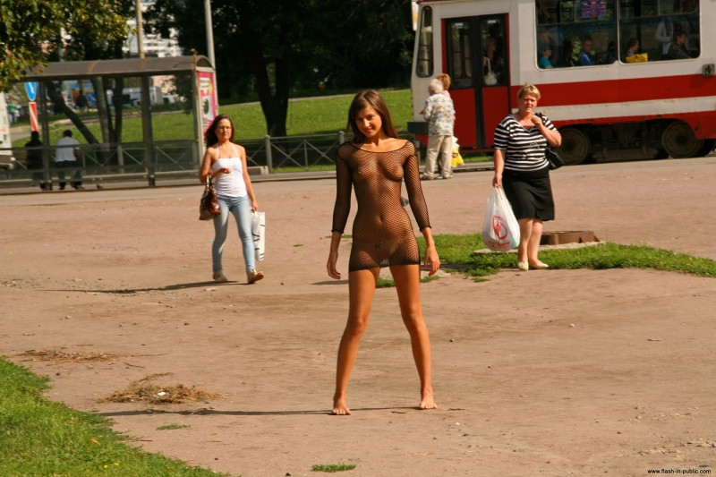 melena-r-nude-fishnet-flash-in-public-09