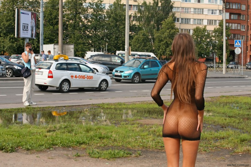 melena-r-nude-fishnet-flash-in-public-17
