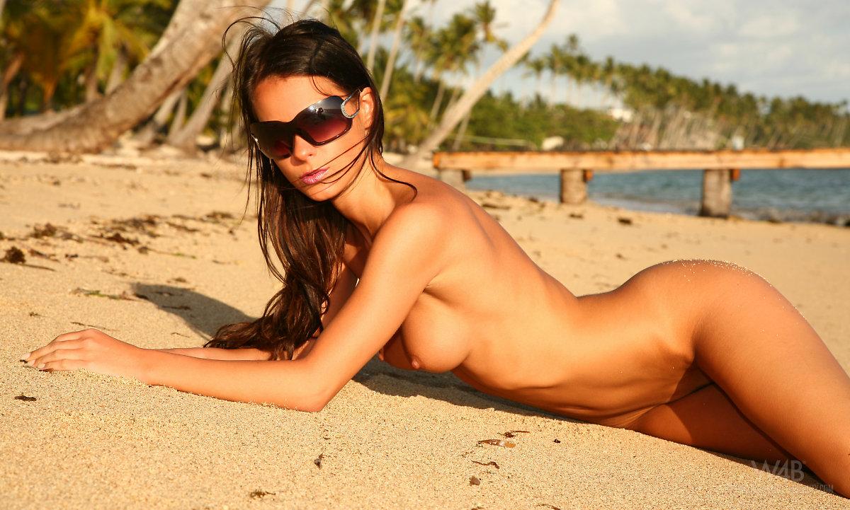 Самые красивые девушки голы фото 5 фотография