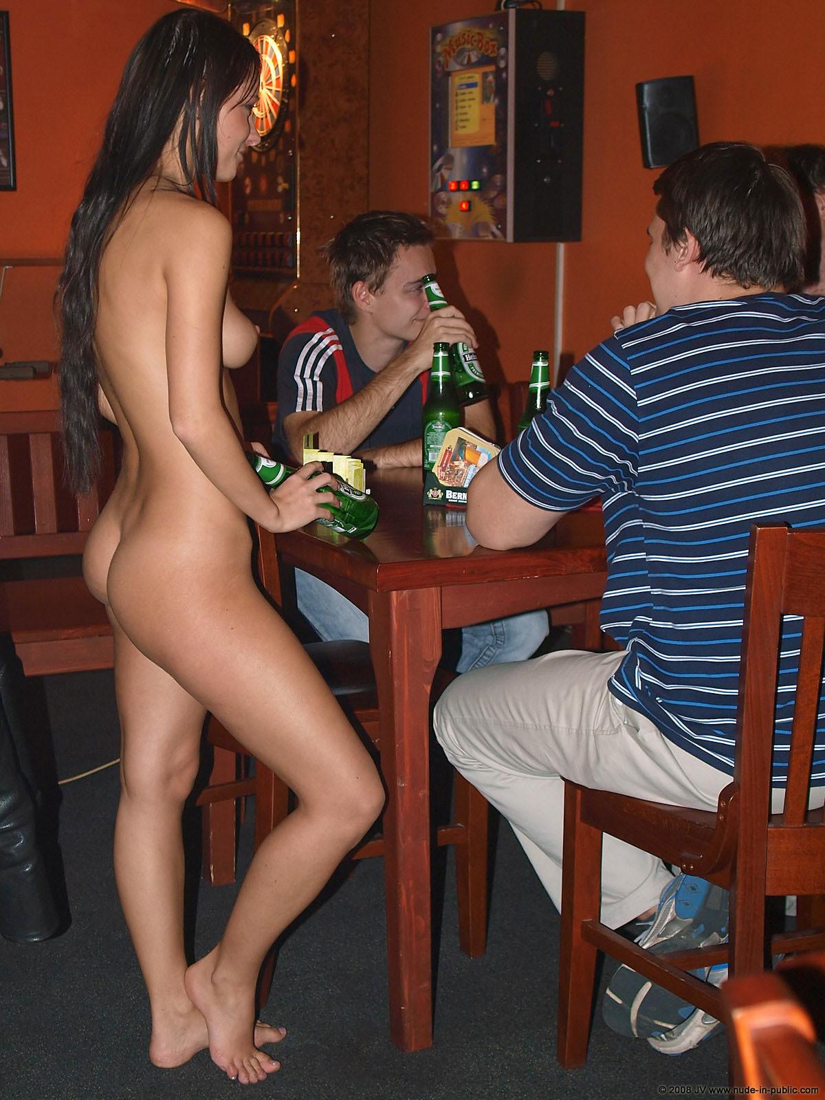 melisa-pub-beer-bar-girl-nude-in-public-34