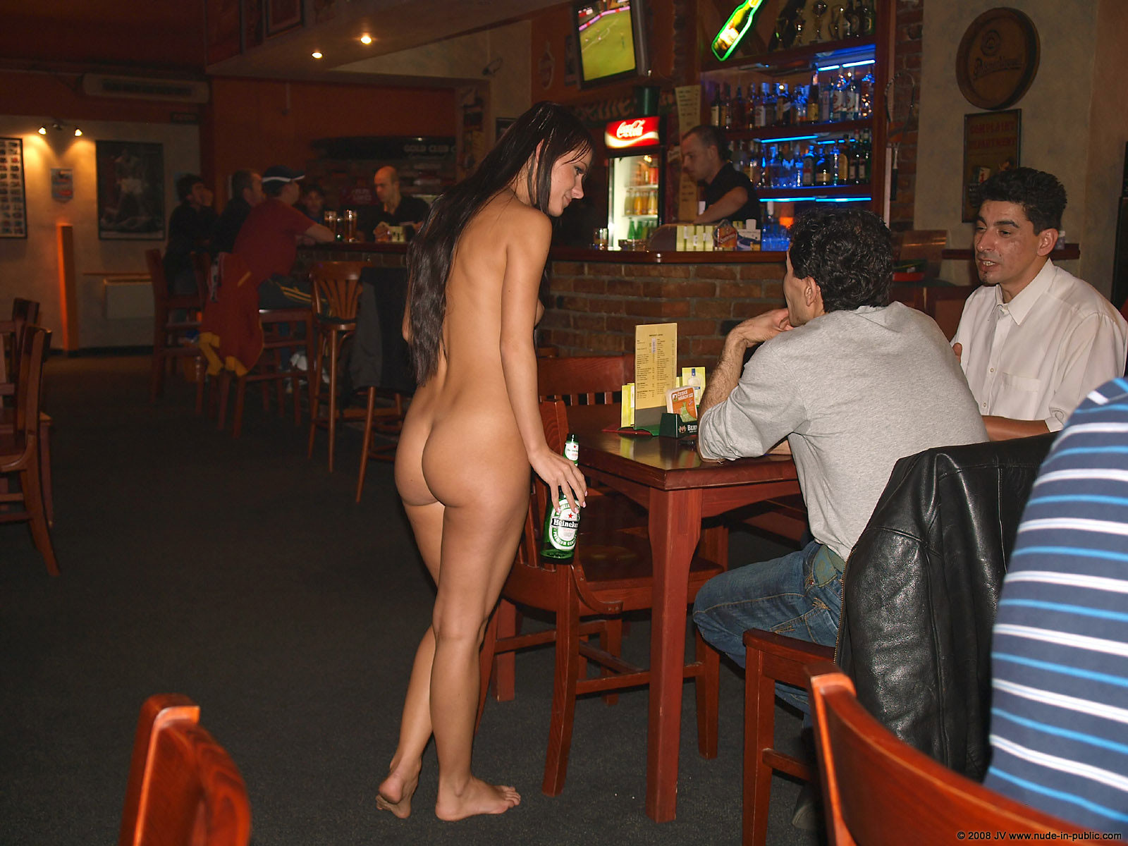 melisa-pub-beer-bar-girl-nude-in-public-41