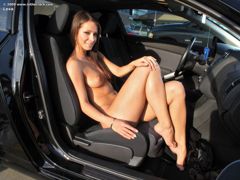 body builder female naked nude