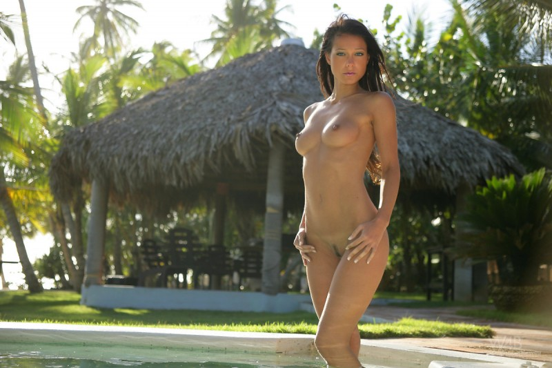 melisa-pool-tropical-island-watch4beauty-01