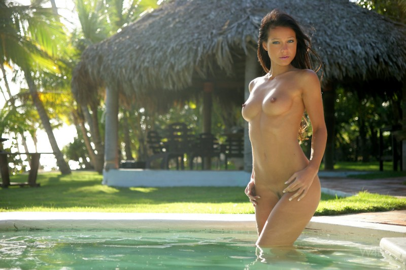 melisa-pool-tropical-island-watch4beauty-02