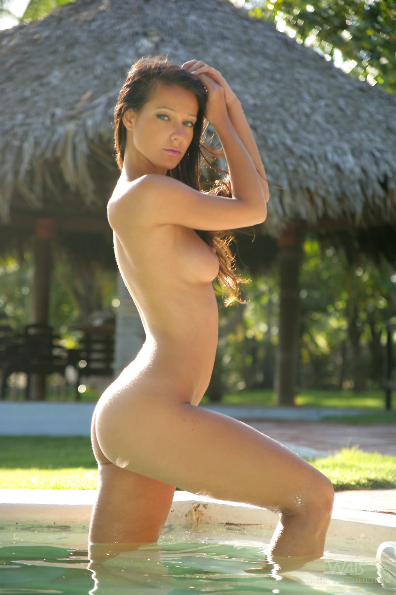 melisa-pool-tropical-island-watch4beauty-04