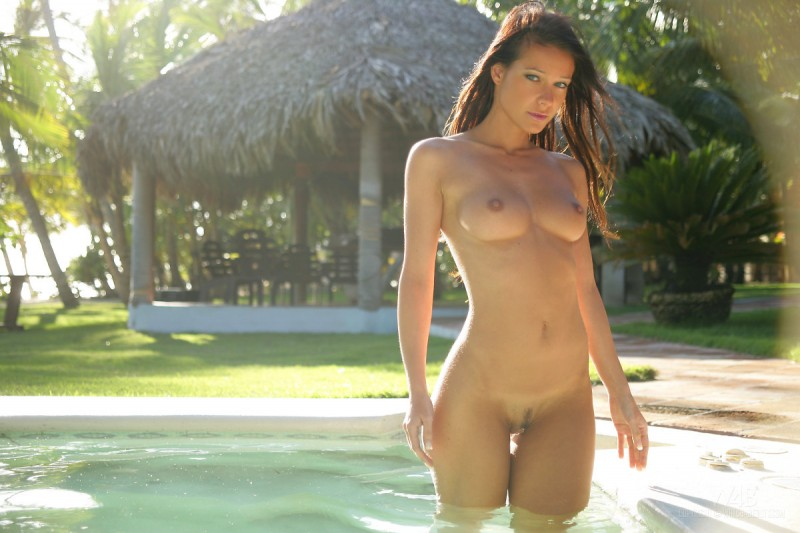 melisa-pool-tropical-island-watch4beauty-06