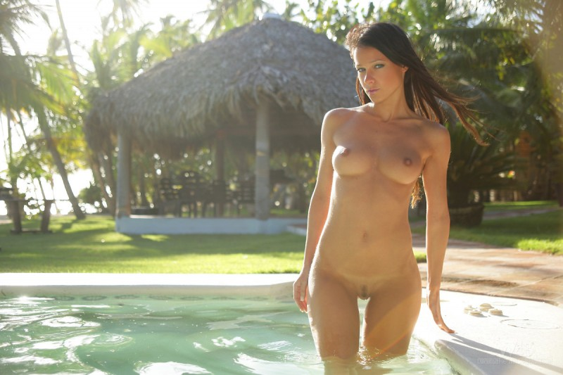 melisa-pool-tropical-island-watch4beauty-07
