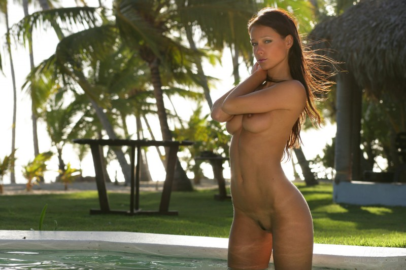 melisa-pool-tropical-island-watch4beauty-17
