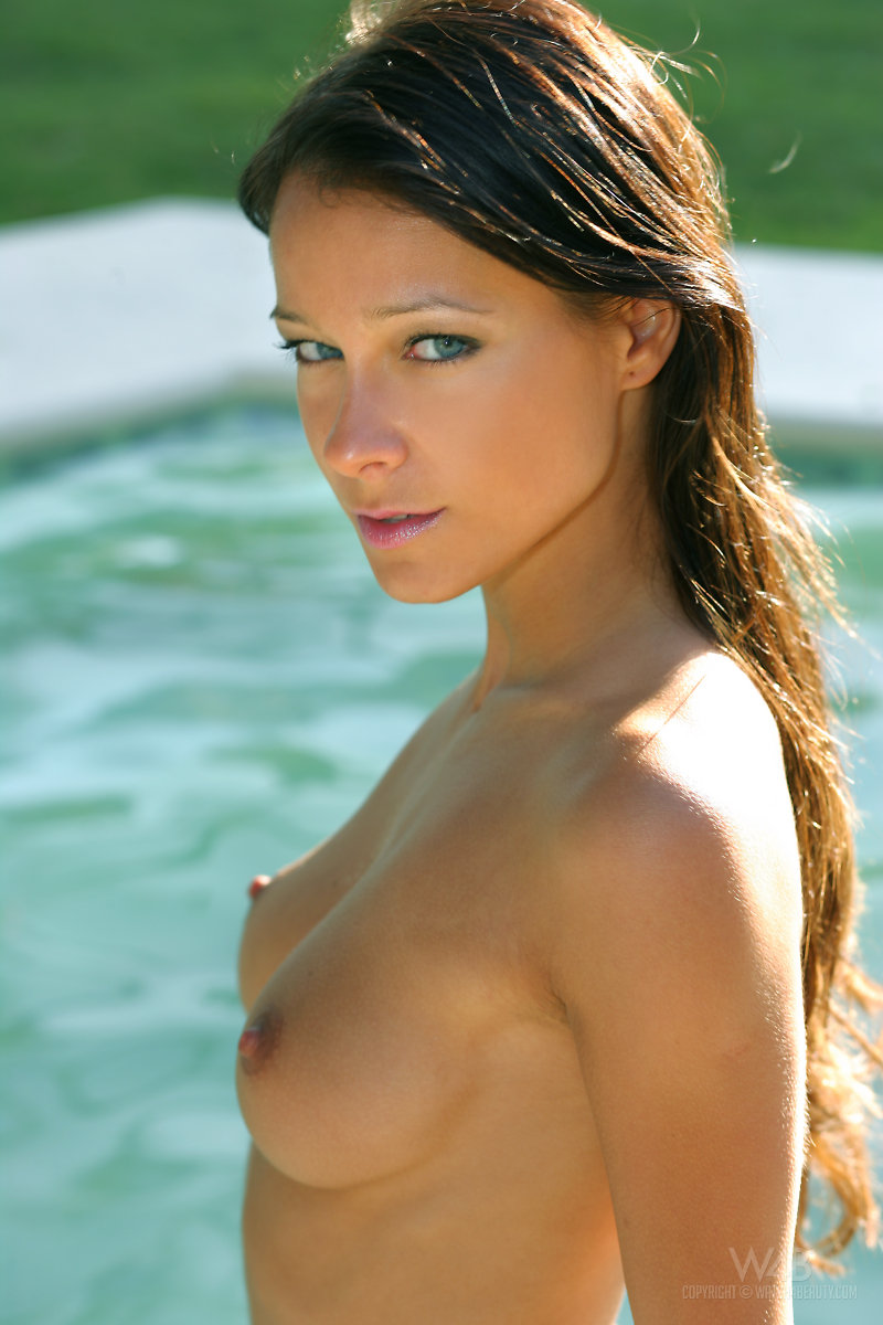 melisa-pool-tropical-island-watch4beauty-22