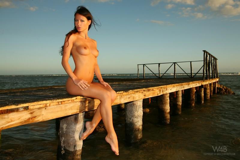 melisa-tropical-island-beach-sundown-watch4beauty-11