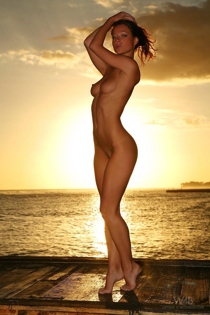 melisa-tropical-island-beach-sundown-watch4beauty-15
