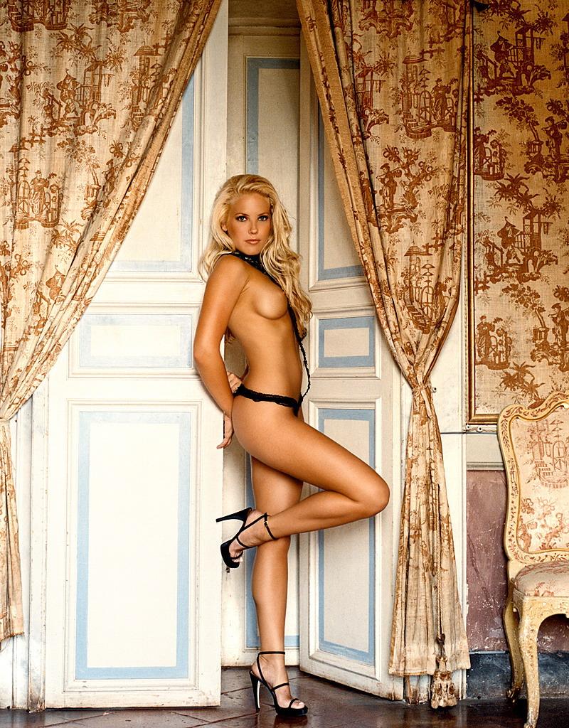 Mercedes Mcnab Hot Nude