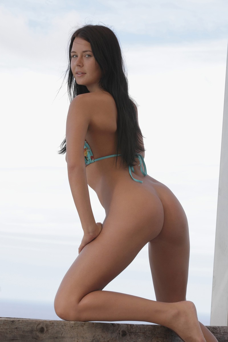 addison-bikini-nude-xart-11