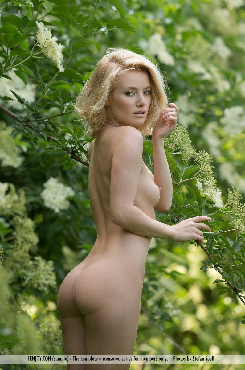 gabi-orchard-nude-femjoy-04