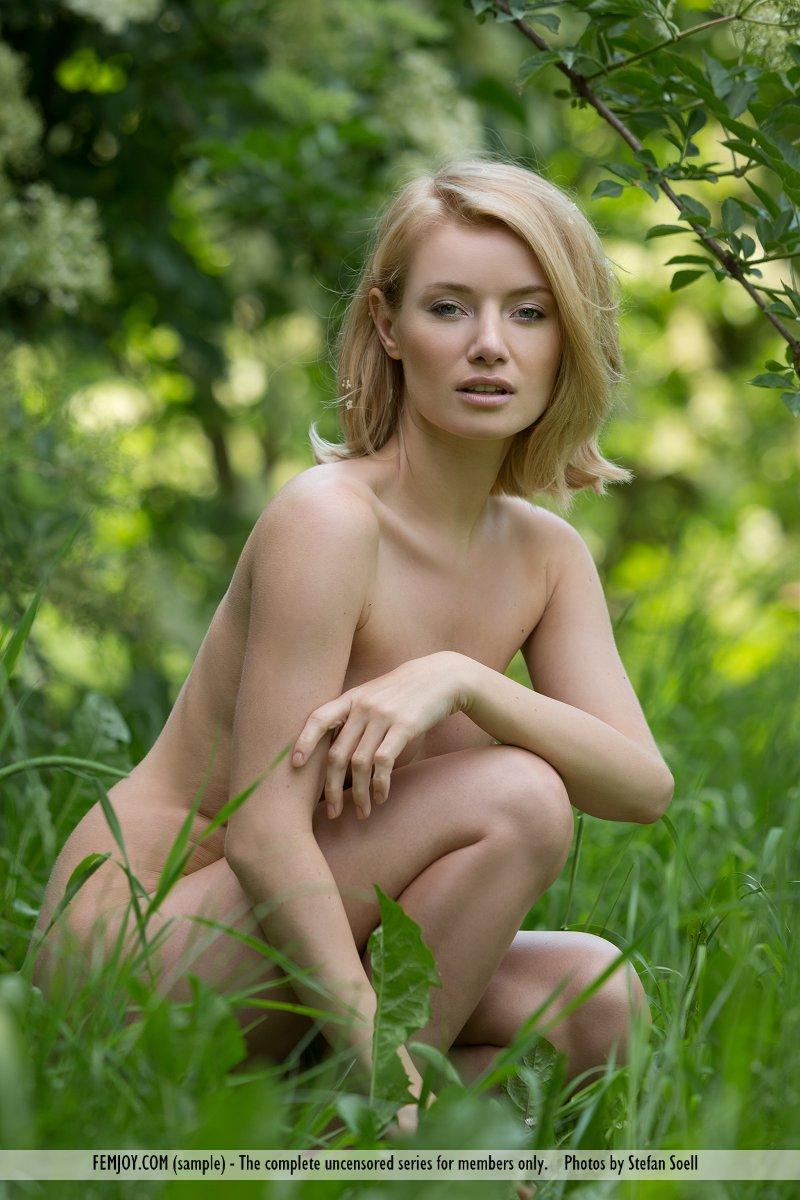 gabi-orchard-nude-femjoy-10