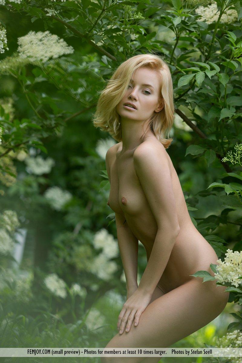 gabi-orchard-nude-femjoy-13