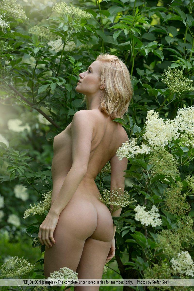 gabi-orchard-nude-femjoy-16
